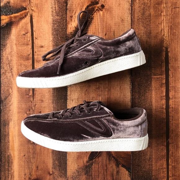 madewell x tretorn® nylite plus sneakers in velvet